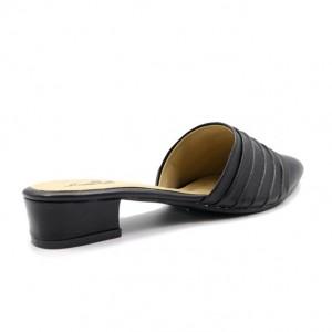 Jiasilin Slip On Sandals (Black)